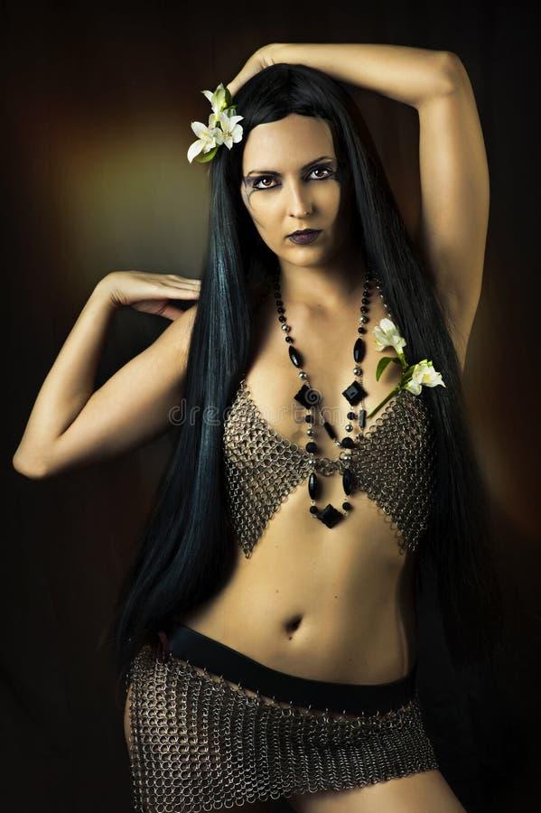 Sexy donkerbruine vrouw royalty-vrije stock fotografie