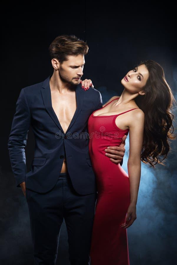 Sexy elegant paar royalty-vrije stock foto's