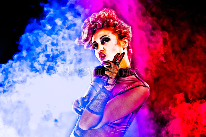 Sexy Frau tanzt Disco lizenzfreies stockfoto
