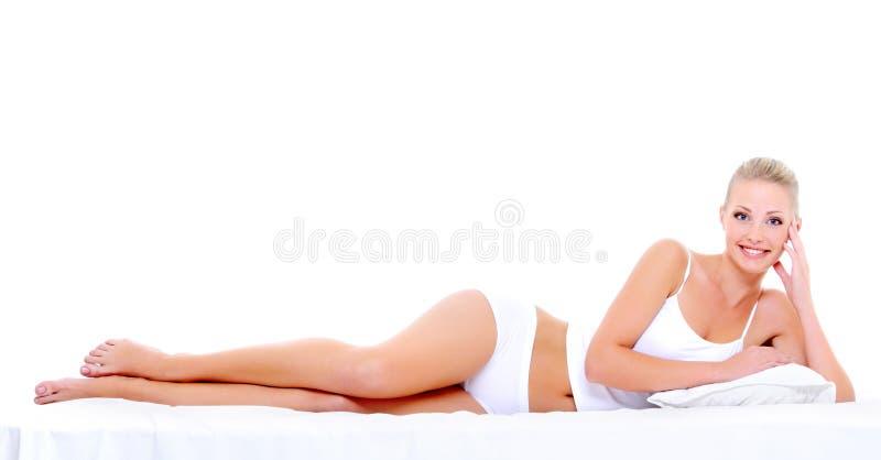 Sexy gelukkige vrouw met perfect mooi lichaam royalty-vrije stock foto's