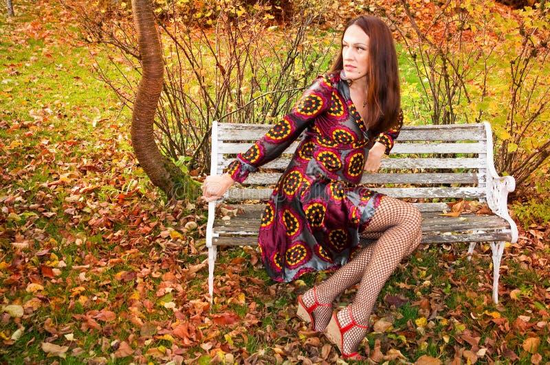 Sexy Herbstfrau stockfotos