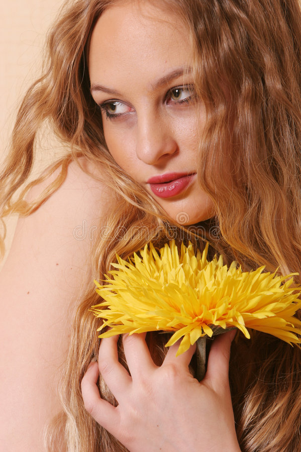 Sexy jonge blonde vrouw stock foto's