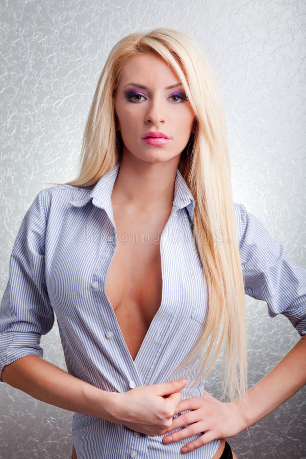 Sexy jonge blonde vrouw royalty-vrije stock foto