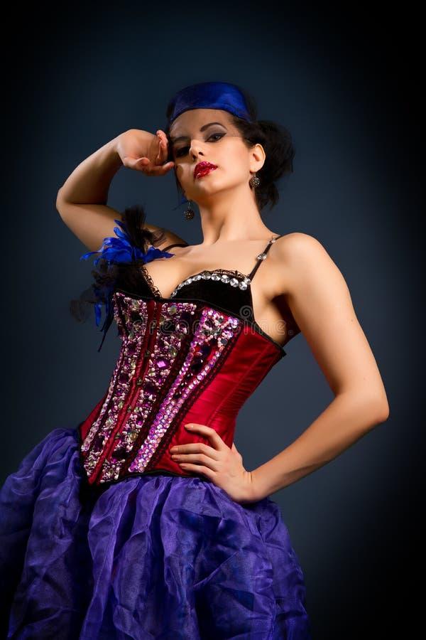 Sexy jonge vrouw in manierkleding stock fotografie