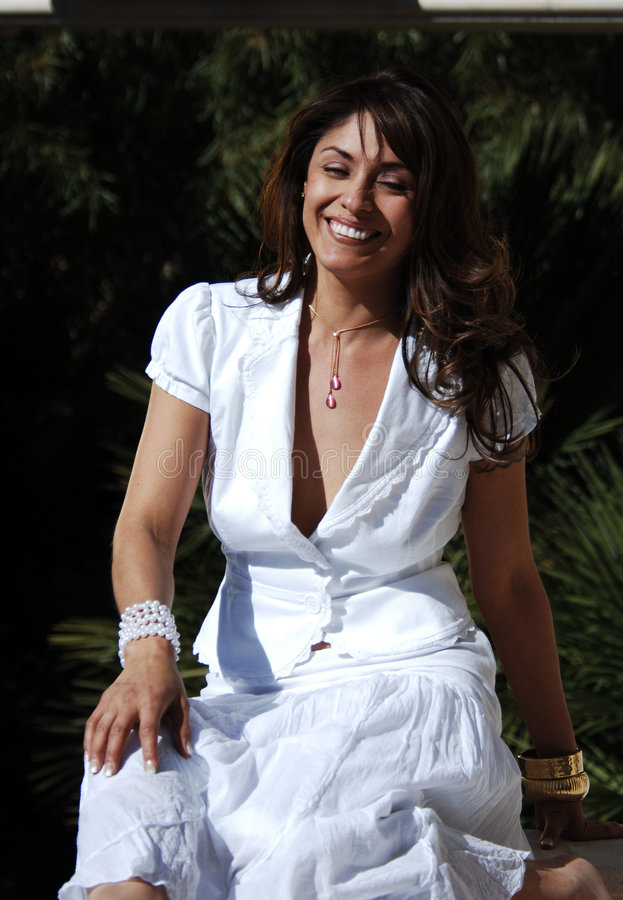 Sexy lachende Latijnse Vrouw royalty-vrije stock foto