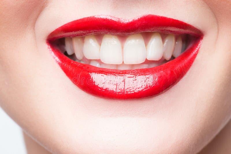 Sexy lippen De Make-updetail van de schoonheids Rood Lip royalty-vrije stock afbeelding