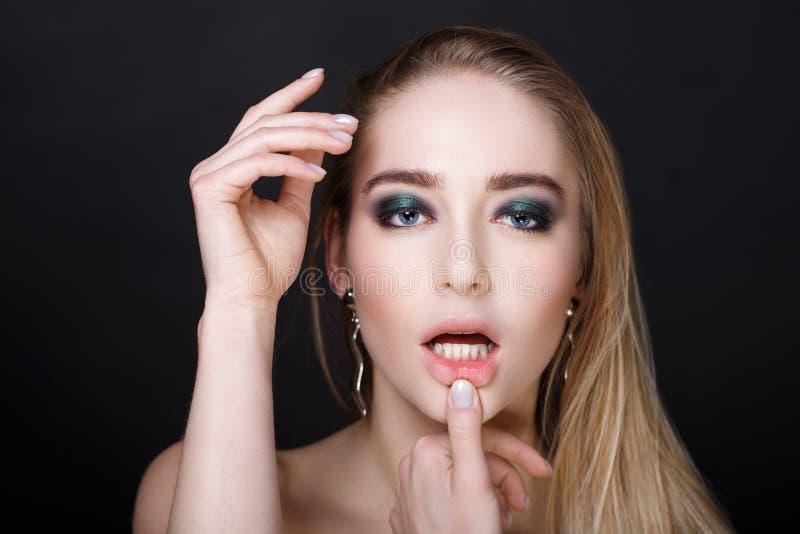 Sexy Lippen der Frau stockfotografie