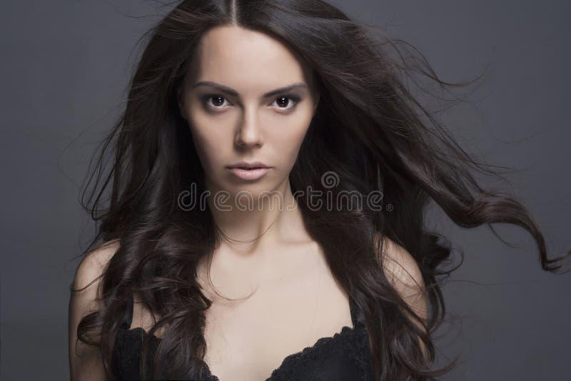Sexy Mädchen mit dem langen gesunden Haar stockbilder
