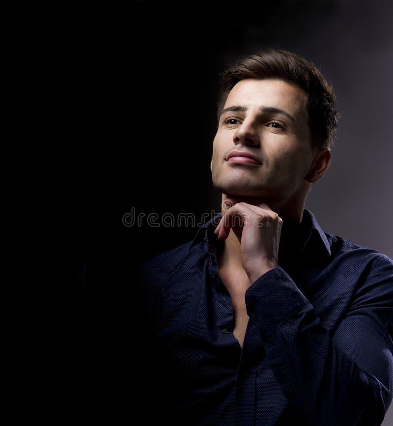 Sexy manierportret van mannelijk model stock afbeeldingen