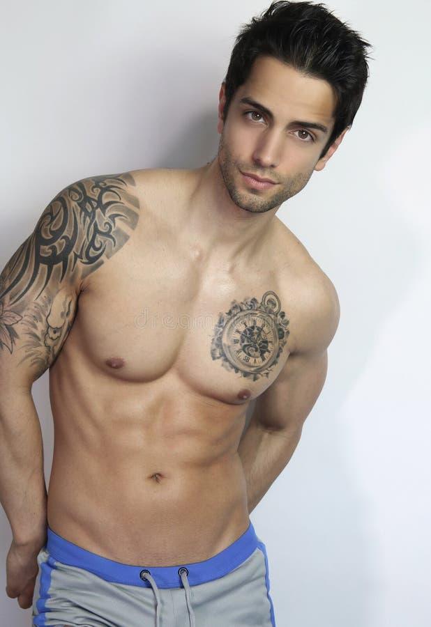 Sexy mannelijke shirtless stock afbeelding