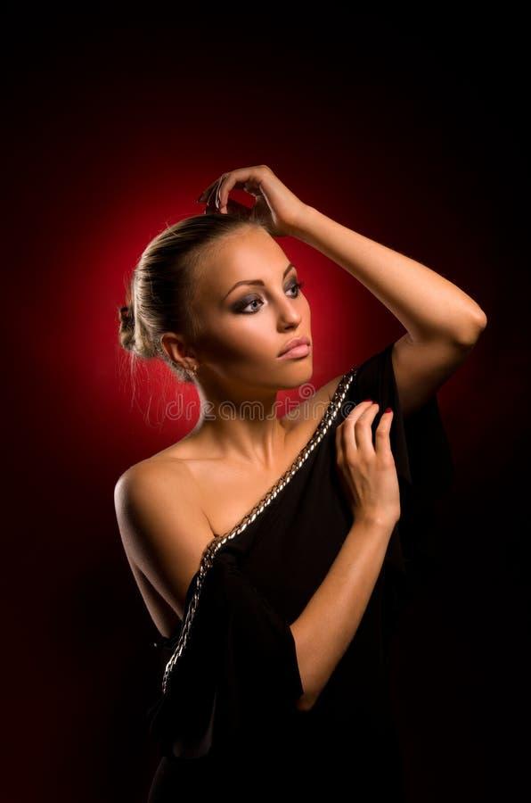 Sexy meisje met agressieve make-up royalty-vrije stock afbeeldingen
