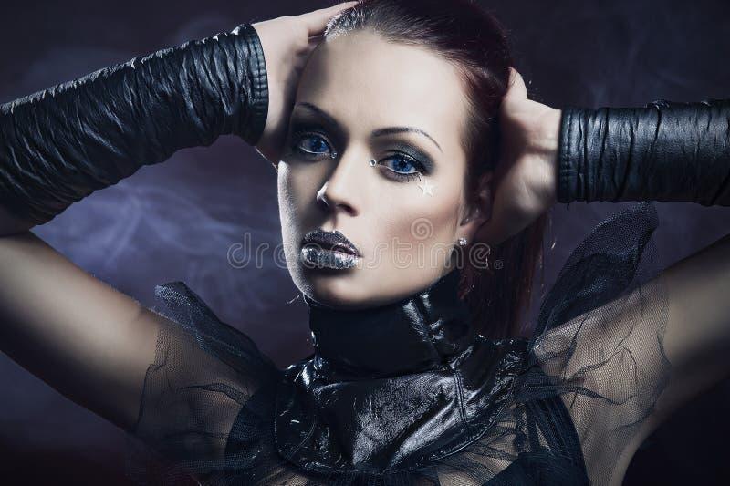 Sexy meisje met zilveren lippen royalty-vrije stock afbeelding