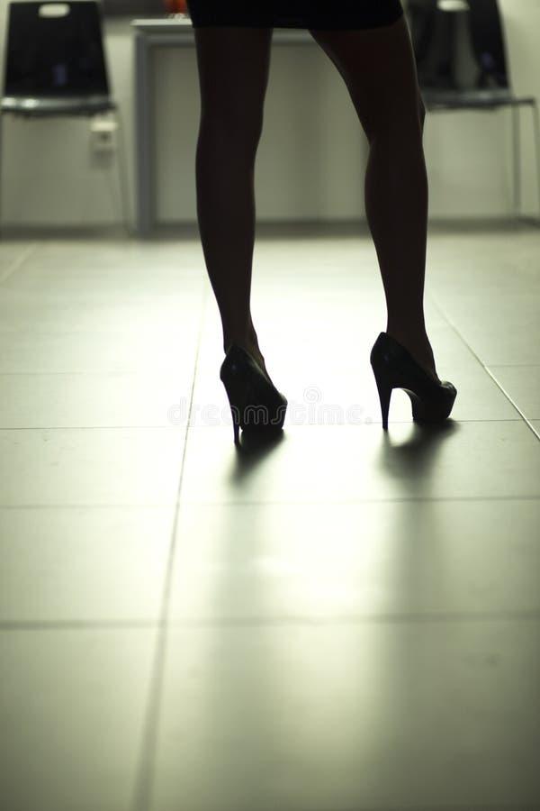 Sexy nackte erotische junge Dame lizenzfreie stockfotos
