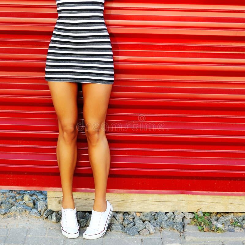 free nude legs tanned women