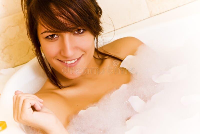 Sexy vrouw in Jacuzzi stock afbeeldingen