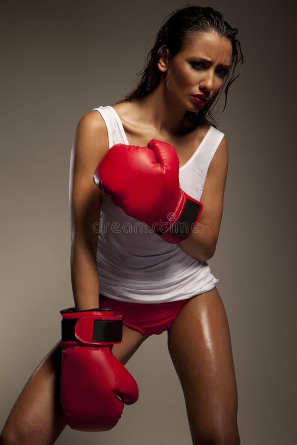 Sexy vrouwelijke vechter royalty-vrije stock foto