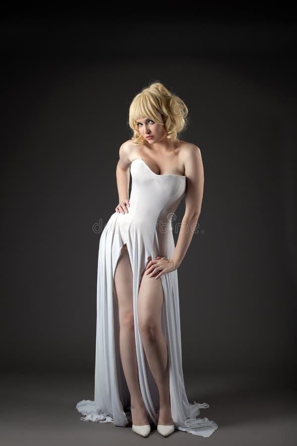 Sexy witte de manierdoek van de vrouwenslijtage royalty-vrije stock afbeelding