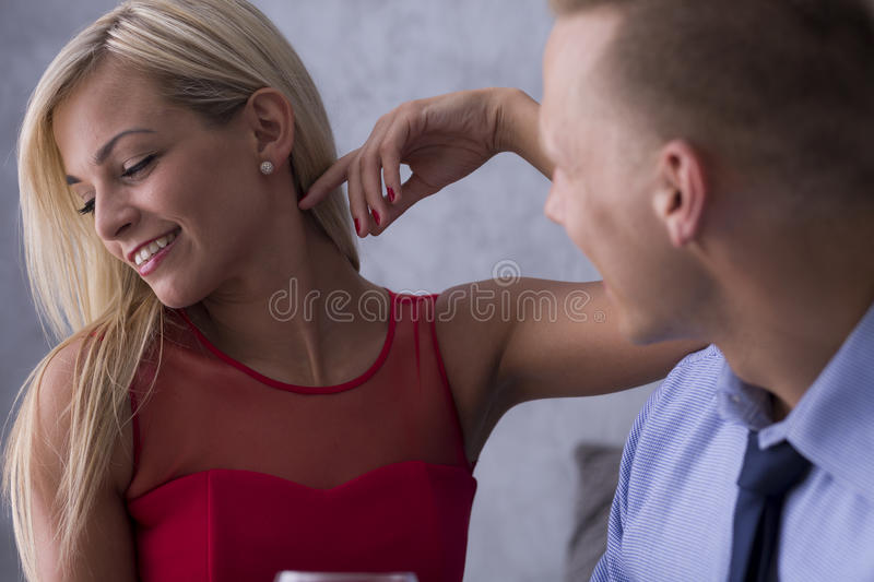 How to seduce a woman on the first date