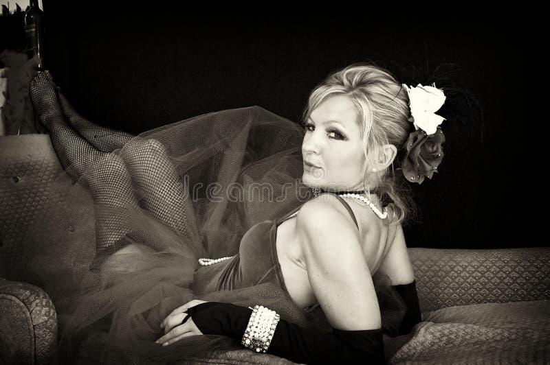 Sexy zaalmeisje in sepia stock fotografie