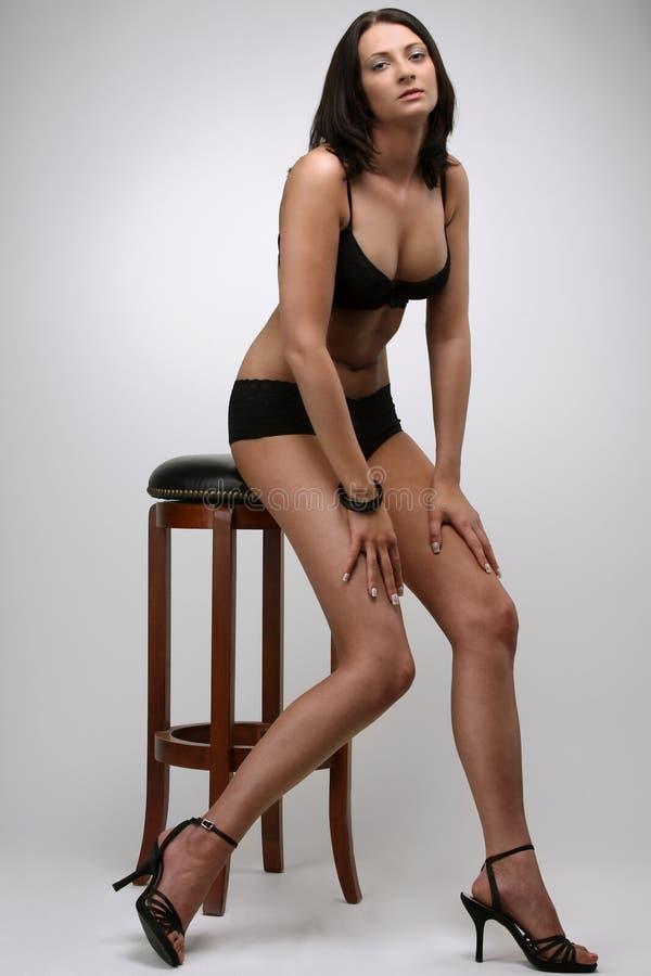Sexy zwarte bikini royalty-vrije stock fotografie