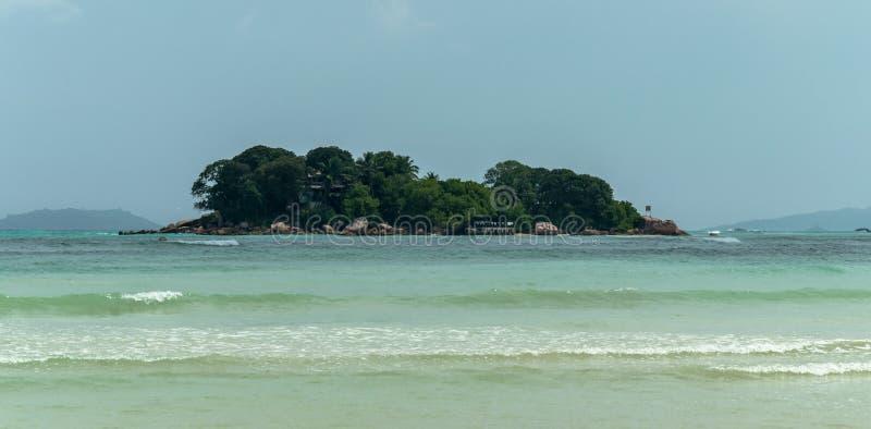 seychellen Mooie Anse Volbert Beach stock foto's