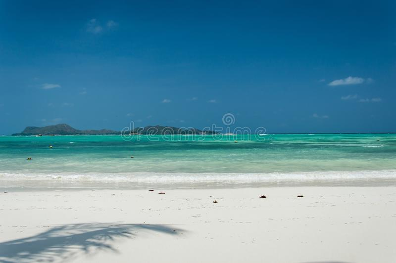 Seychelles Piękna Anse Volbert plaża obrazy royalty free