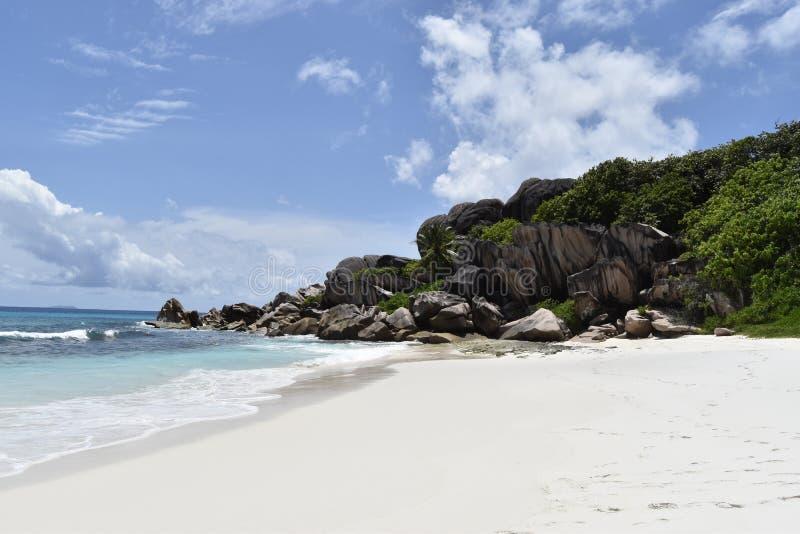 Seychelles, rochas do granito de Digue do La foto de stock