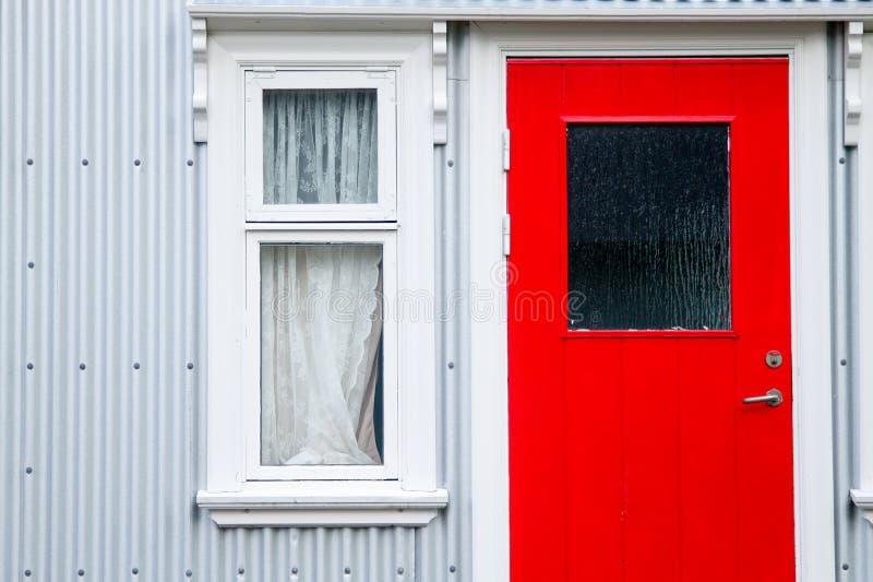 Seydisfjordur装饰了房子关闭,冰岛地标 库存图片