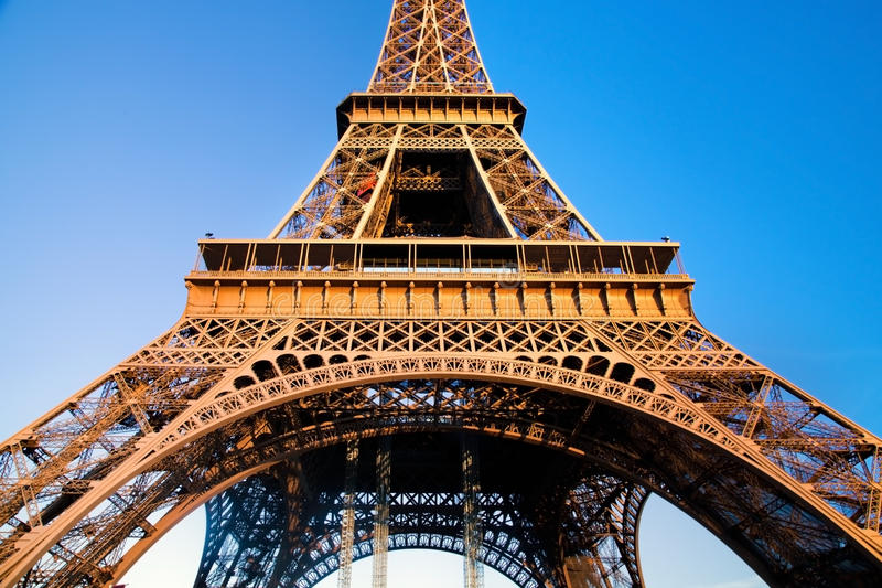 Sezione centrale della torre Eiffel, Parigi, Francia immagini stock