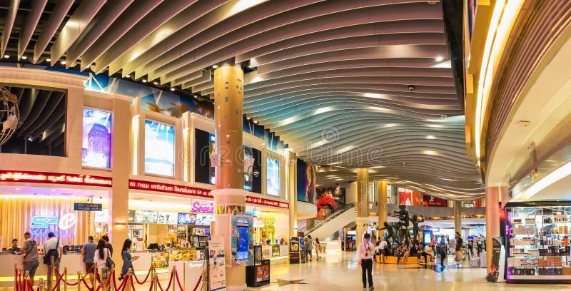 SF戏院外视图在Asoke连接点Sukhumvit路的曼谷泰国终端21 库存照片