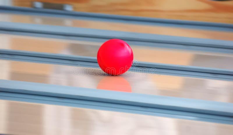 Sfera di bowling di velocità fotografia stock libera da diritti