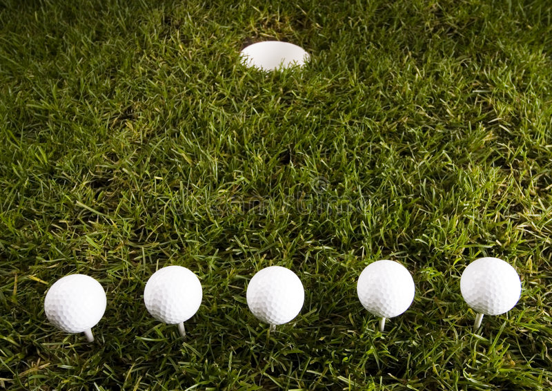 Download Sfera di golf fotografia stock. Immagine di sfera, attività - 7317550