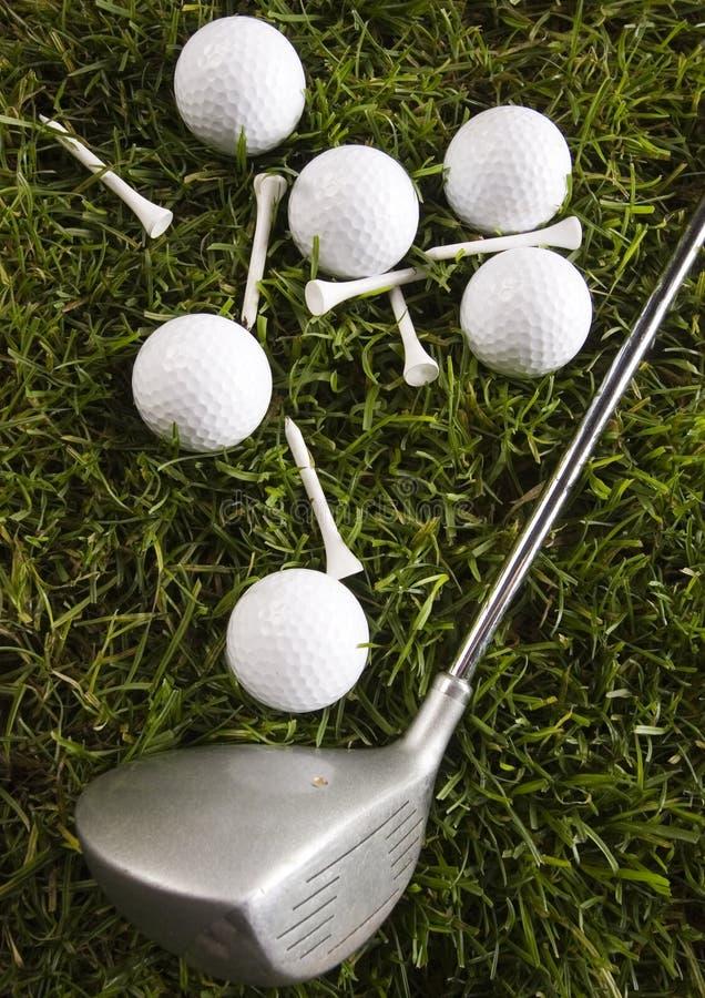 Download Sfera Di Golf Su Erba Con Il Driver Fotografia Stock - Immagine di corso, france: 7317454