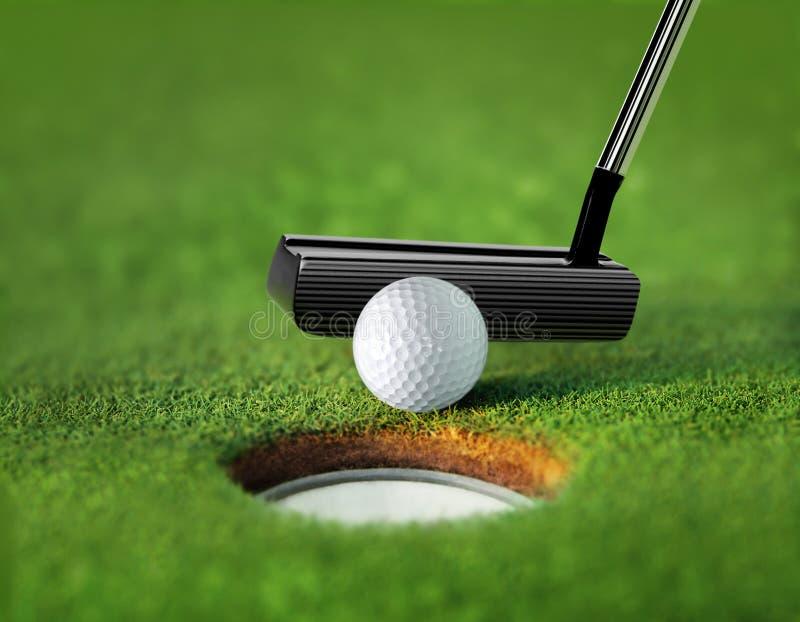 Sfera e T di golf del primo piano immagine stock