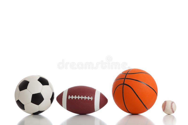 Sfere Assorted di sport su bianco immagine stock libera da diritti