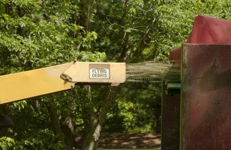 Sfibratore di legno industriale nell'azione immagine stock libera da diritti
