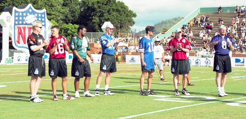 Download Sfida 2001 del NFL QB fotografia editoriale. Immagine di partecipanti - 117977611