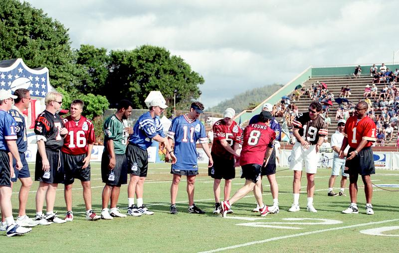 Download 2001 Sfida Del NFL QB, Kauai, Hawai Immagine Editoriale - Immagine di partecipanti, garcia: 117977625