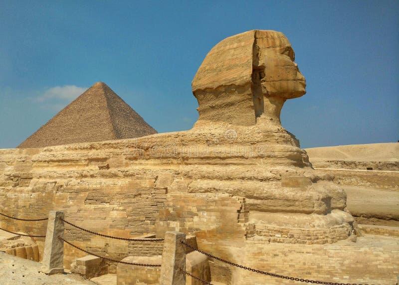 Sfinks i ostrosłup Keops w Egipt obrazy royalty free