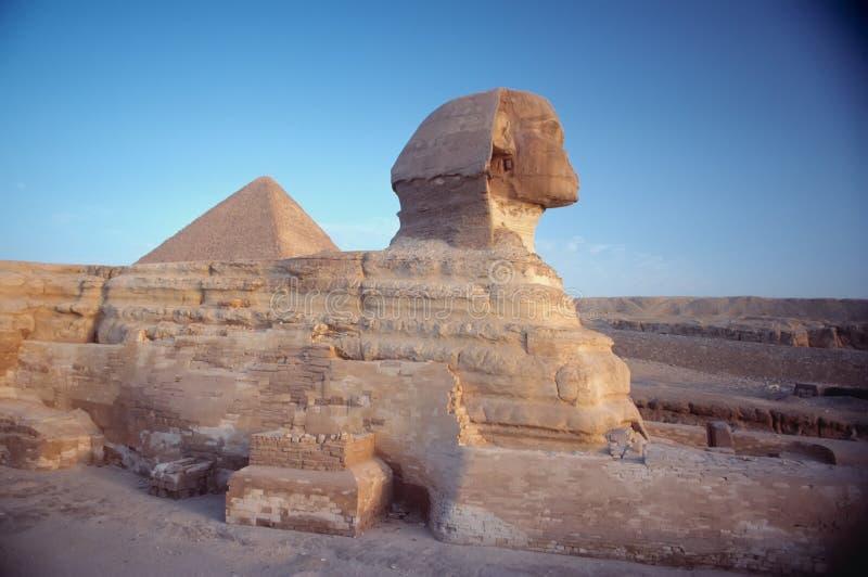 Sfinx en Pyrmid stock afbeeldingen