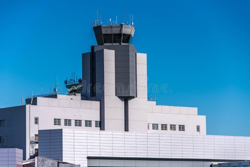SFO, torre de control del aeropuerto de San Francisco International foto de archivo