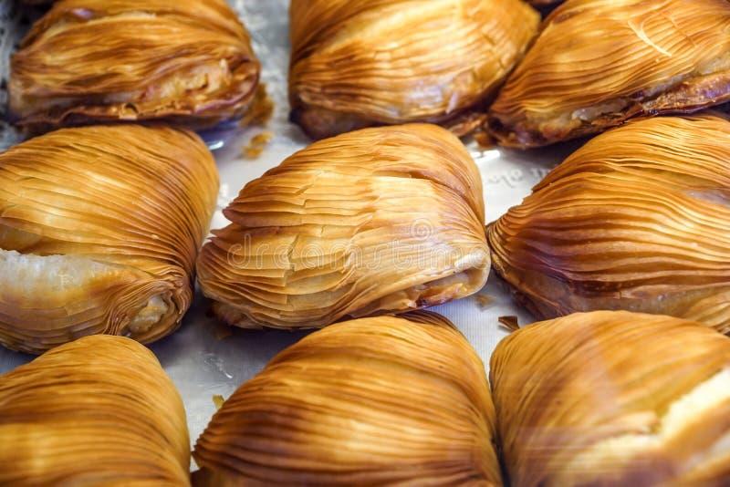 Sfogliatelle, Nápoles tradicional dulce, Campania, Italia imagen de archivo