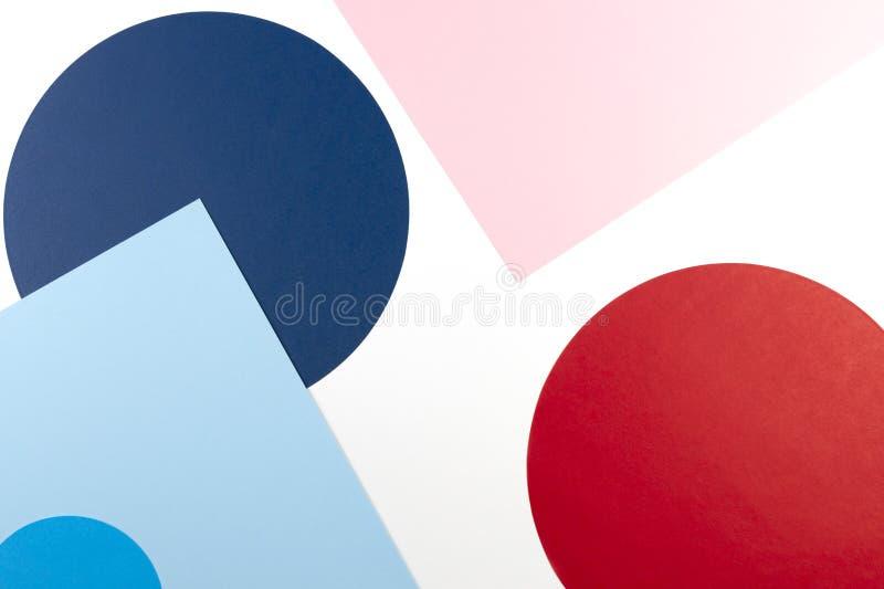 Sfondo di texture di fogli di moda in stile memphis Geometry Bianco, blu marino, blu chiaro, rosso e rosa pastello fotografia stock libera da diritti