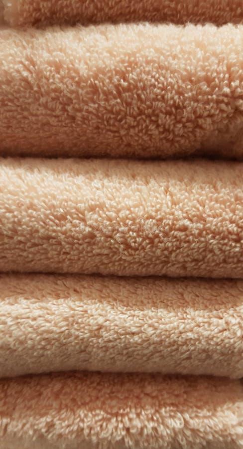 Sfondo trama SPA dello stack di asciugamani piegati immagine stock libera da diritti