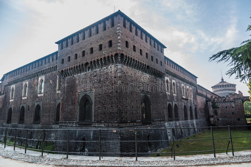Sforzesco-Schloss von Mailand stockfotos