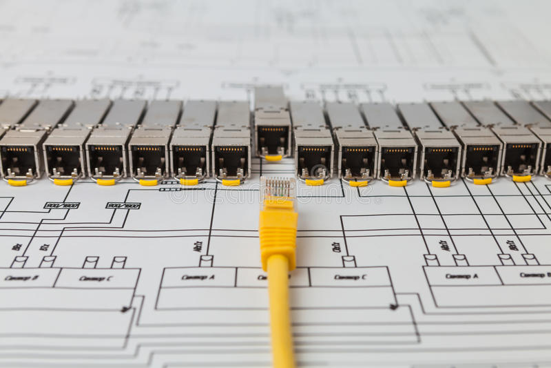 SFP网络转接和插接线的网络模块 免版税图库摄影