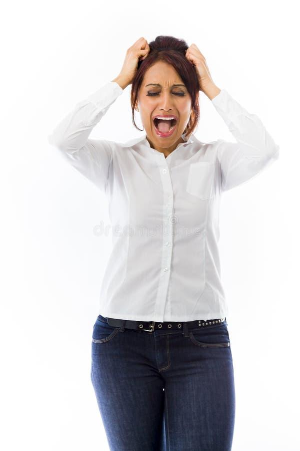 Download Sfrustowanej Indiańskiej Młodej Kobiety Krzyczący Ciągnięcie Jej Włosy Obraz Stock - Obraz złożonej z migreny, human: 41951433