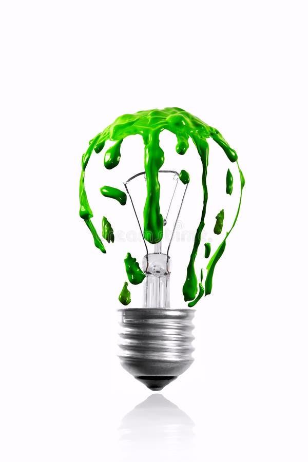 Sgocciolatura Di Colore Verde Sulla Lampadina Fotografie Stock Libere da Diritti