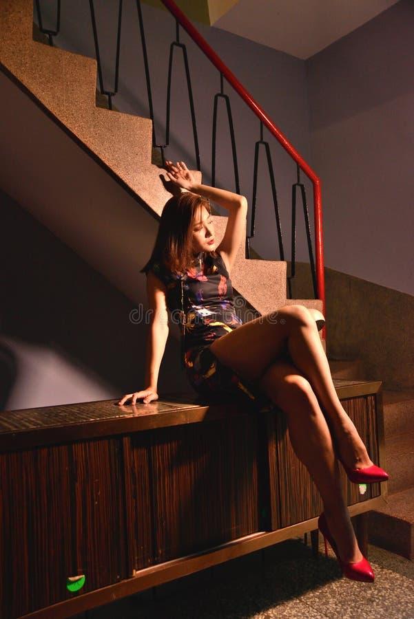 Sguardo cinese di Retro del modello di moda fotografia stock