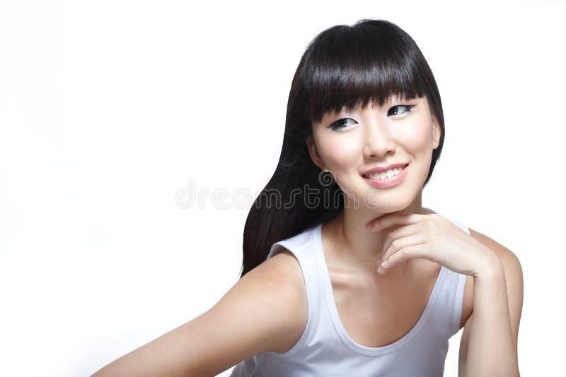 Sguardo di modello di bellezza cinese di modo radiante fotografia stock